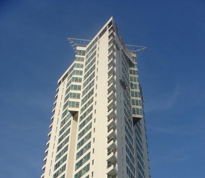 Torre-titanium